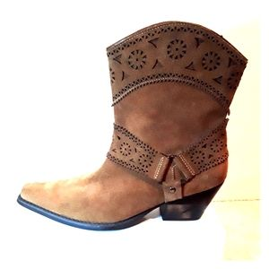 Meet Too Julia Western Ankle Harness Boot